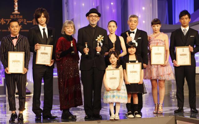 日本アカデミー賞は「告白」に栄冠 松たか子&中島監督感涙
