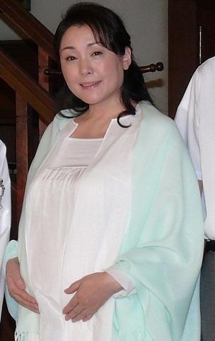 松坂慶子、55歳の妊婦姿を披露