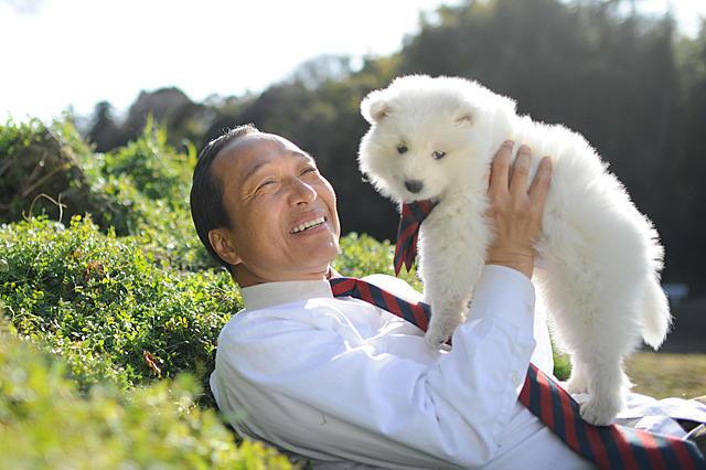 小日向文世、笑顔が犬そっくり?「犬飼さんちの犬」公開