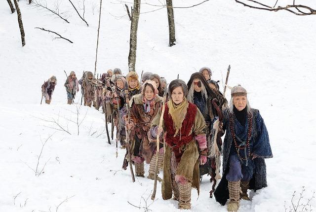 浅丘ルリ子ら女優50人、極寒の雪山で躍動 「デンデラ」予告