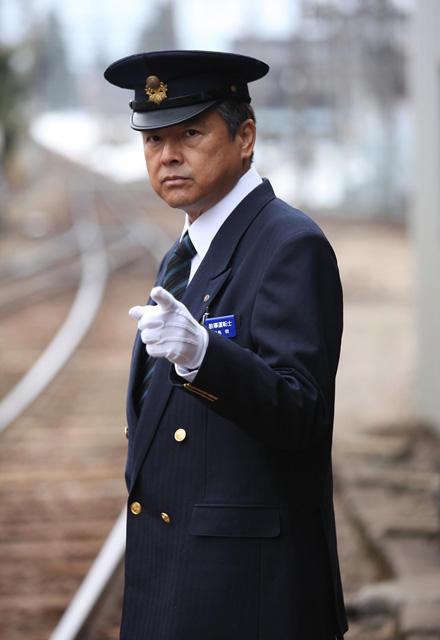三浦友和「RAILWAYS」第2弾に主演 妻役に余貴美子