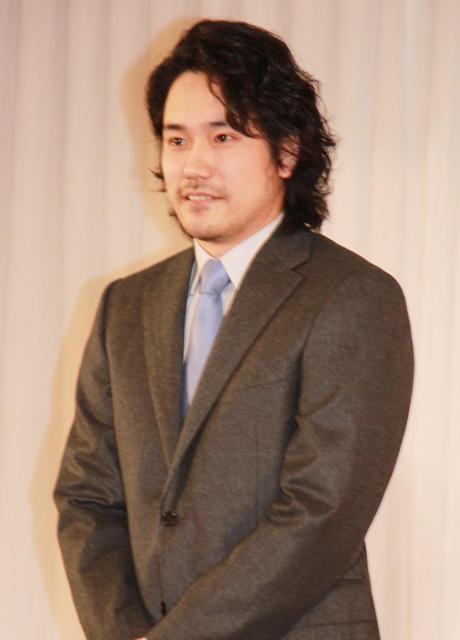 【速報】松山ケンイチ、小雪との結婚を報告!「がむしゃらに押した」