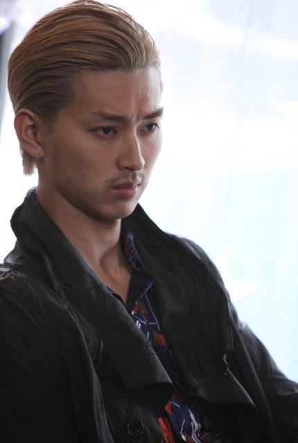 松田翔太、新作で金髪オールバックに 舞台は父・優作の故郷下関