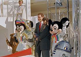 1987年設置の人気アトラクション「スター・ウォーズ」