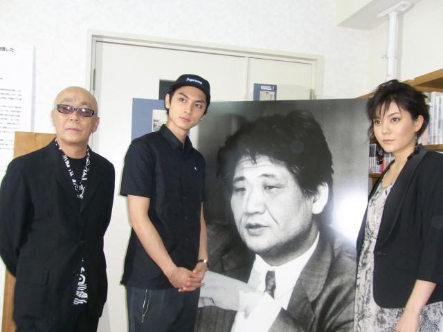 「軽蔑」高良健吾、中上健次さん故郷再訪し感無量