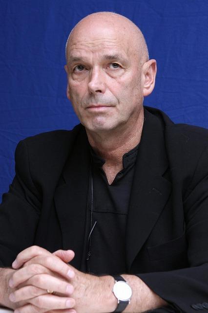 「007 カジノ・ロワイヤル」監督が続編「慰めの報酬」を批判