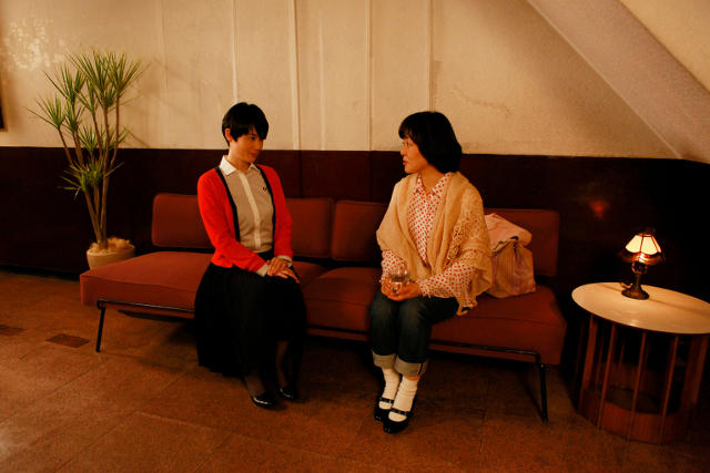 小林聡美主演「東京オアシス」場面写真を一挙公開