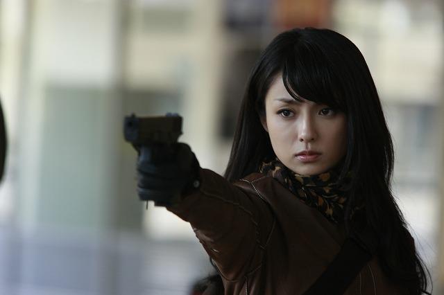 深田恭子「ワイルド7」で新境地 人生初のガンアクションを披露