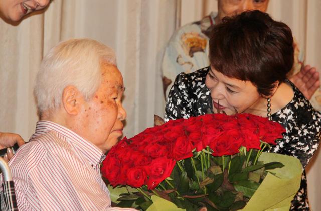 99歳・新藤兼人監督、人生最後の舞台挨拶「ときどき思い出して」