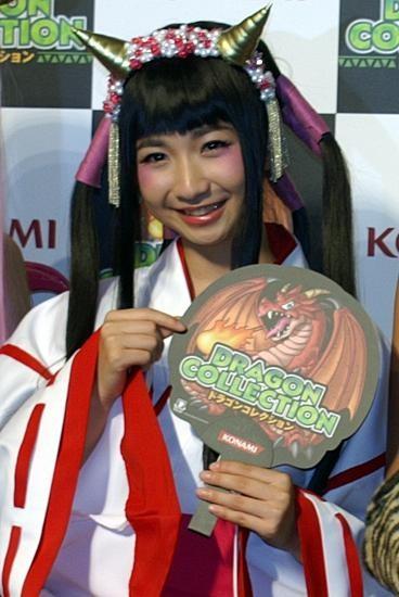 """トシちゃん娘・綾乃美花、""""前髪パッツン""""巫女キャラに変身"""