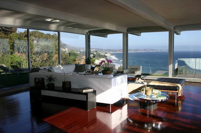 ブラッド・ピットがマリブの豪邸を10億円で売却へ