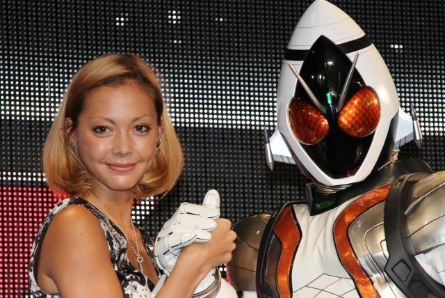 土屋アンナ、新「仮面ライダー」主題歌決定「かれている声でいいの?」