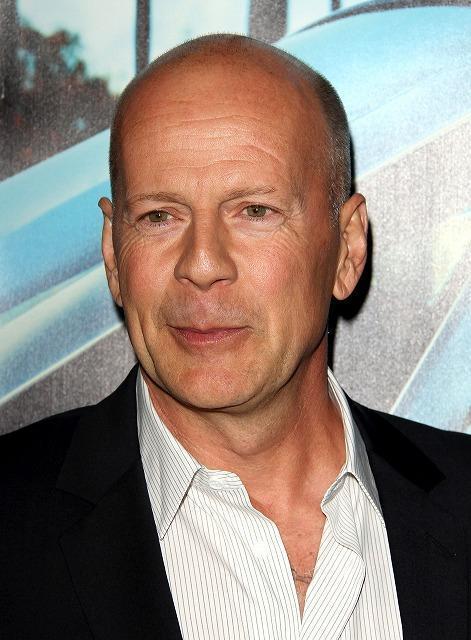 ブルース・ウィリス主演「ダイ・ハード5」監督にジョン・ムーア決定