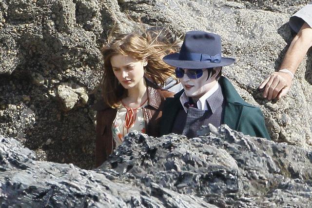 ジョニー・デップ「ダーク・シャドウズ」の白塗り写真公開