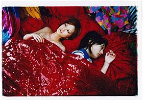 蜷川実花が映し出す鮮やかな少女の世界「アジアの純真」