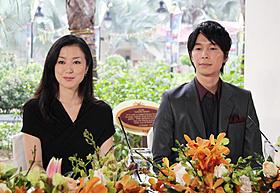 「セカンドバージン」で共演した鈴木京香と長谷川博己「セカンドバージン」