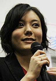 「家族X」のトークショーに出席した鈴木杏「家族X」