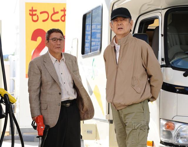 高倉健、岐阜・高山駅でたけしを1人で出迎え