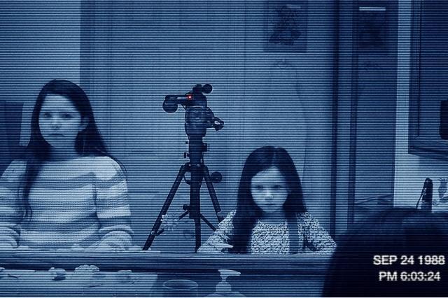 「パラノーマル3」最新恐怖映像はシリーズ最高の怪奇現象