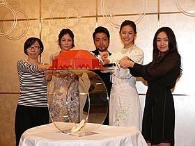 「指輪をはめたい」完成会見に出席した(左から) 岩田ユキ監督、真木よう子、山田孝之、小西真奈美、池脇千鶴「指輪をはめたい」