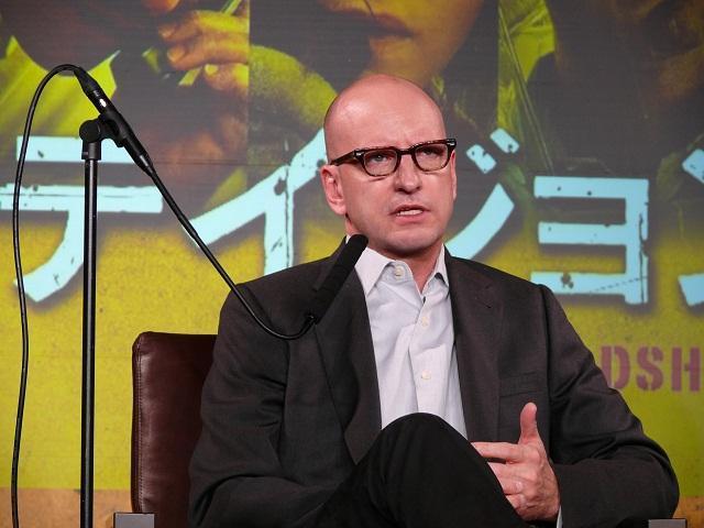 ソダーバーグ監督「努力に敬意を表したい」豪華キャストに最敬礼