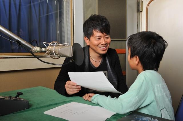 宮迫博之、「リアル・スティール」テレビCMで親子初共演