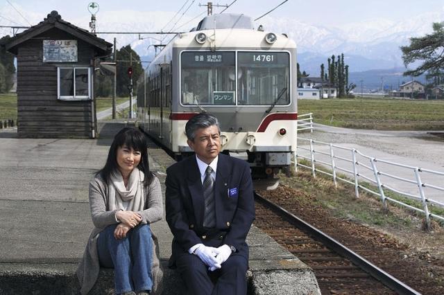 三浦友和&余貴美子「RAILWAYS」スポットで夫婦談義