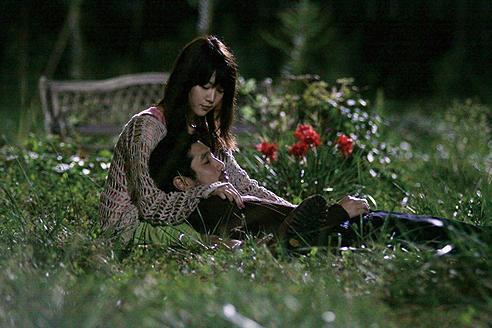 柳英里紗「ポルノチック」シリーズで自己を投影した少女を熱演