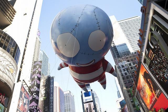 米感謝祭パレードでティム・バートン監督デザインの風船が話題に