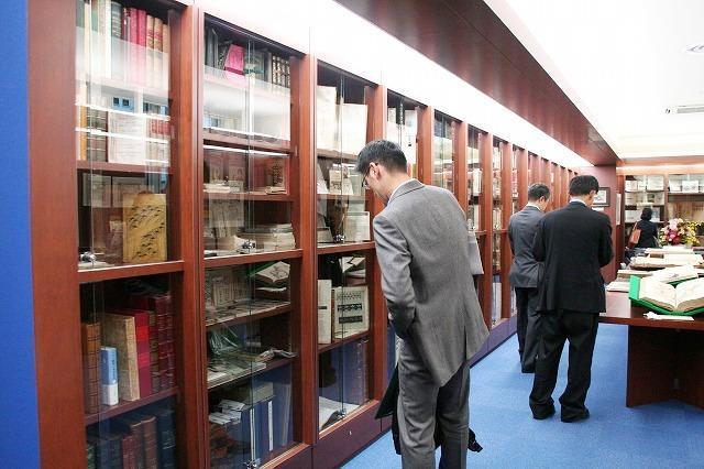 世界の希少本がずらり 日本橋にアンティーク本専門店オープン - 画像2