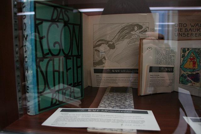 世界の希少本がずらり 日本橋にアンティーク本専門店オープン - 画像10
