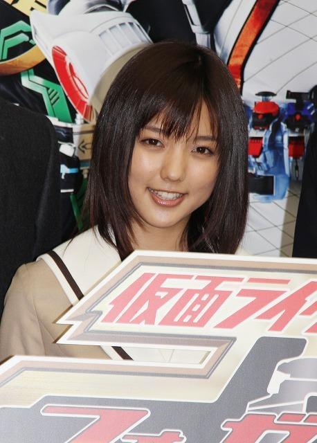 真野恵里菜、仮面ライダー出演をTwitterで報告「1日に500人増えた」
