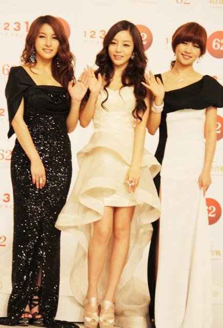 紅白歌合戦に韓国グループ3組出場 KARA&少女時代が喜びの会見