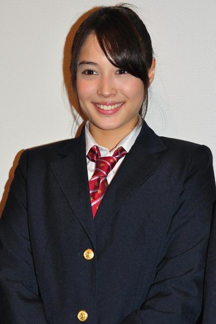 人気モデル・広瀬アリス、初主演映画ロケは血のりまみれで睡眠