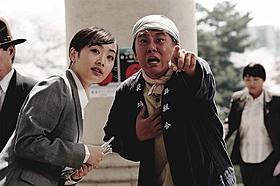 「マイウェイ」で映画デビューを果たしたKARAのニコル(左)「マイ・ウェイ」