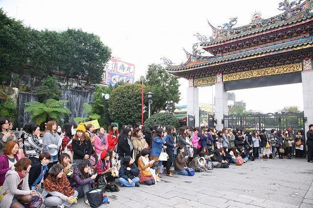嵐・相葉雅紀、台湾、香港を訪問 復興支援に「ありがとう」