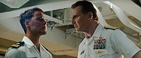 地球の未来を握る海軍たち(テイラー・キッチュ、リーアム・ニーソン)「バトルシップ」