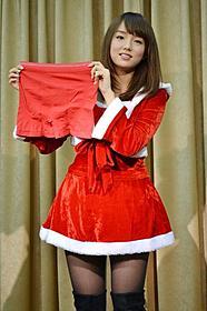 セクシーサンタ・篠崎愛がプレゼント!「パンツの穴 THE MOVIE 童貞喪失ラプソディ」