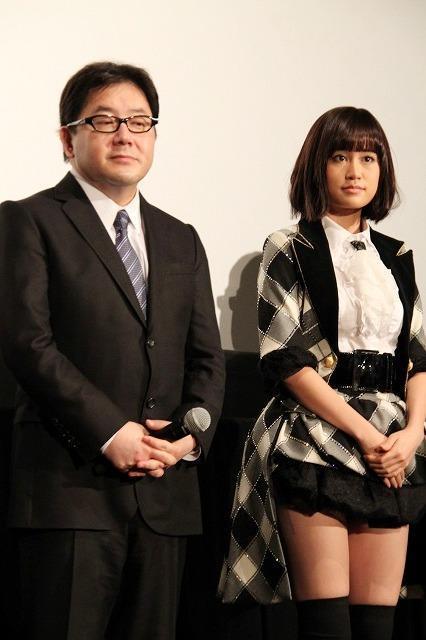秋元康、AKB48メンバーをメールで激励