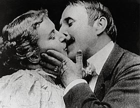 映画初のキスシーン「M.アーウィンとJ.C.ライスの接吻」「汚名」
