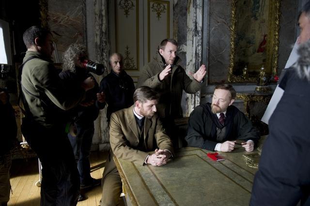 G・リッチー監督「シャーロック・ホームズ」で元妻の呪縛から解放?