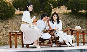 (左から)井上靖の娘たちがモデルの 三姉妹を好演する、ミムラ、菊池、宮崎「わが母の記」