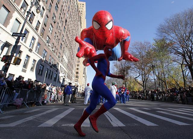 米国感謝祭に登場したスパイダーマン