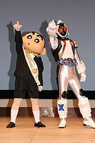 しんちゃん仮面ライダーが夢コラボ 東宝東映が異例の宣伝タッグ
