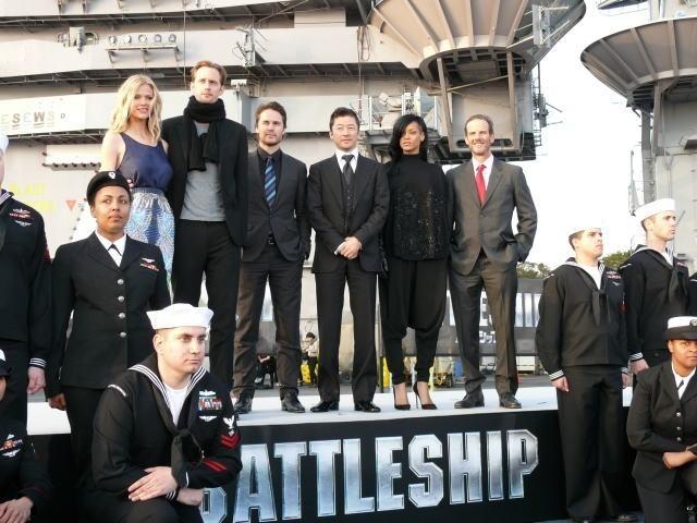 米映画「バトルシップ」日本初となる空母ジョージ・ワシントン艦上で会見