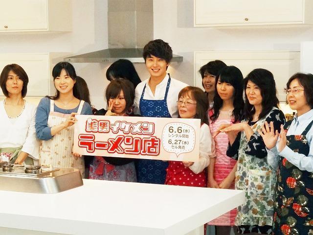 イケメン俳優チョン・イル、ラーメンの腕前をファンに披露