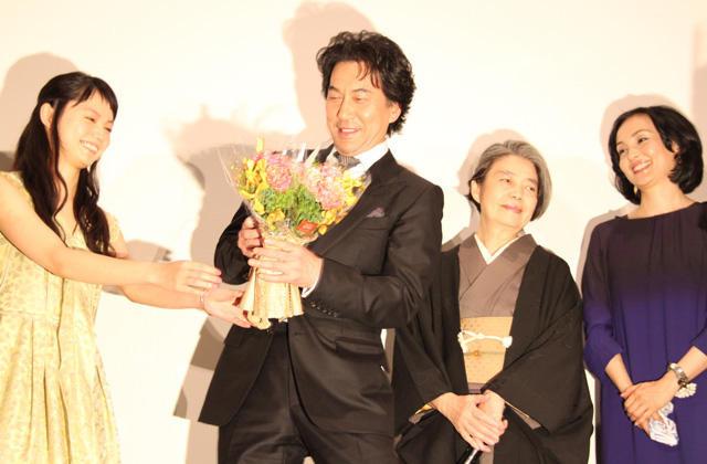 役所広司、主演作「わが母」初日に紫綬褒章受章で喜び2倍