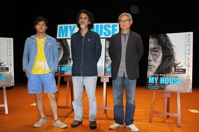 「MY HOUSE」で新境地を開いた堤幸彦監督、異端の建築家坂口恭平と真剣トーク