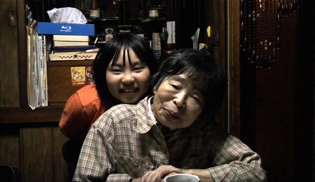 YouTubeで20万ビュー、母を撮って2年半「毎日がアルツハイマー」公開