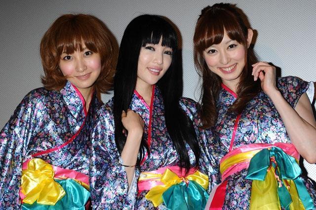 プライベートでも仲が良いという (左から)木口亜矢、森下悠里、秋山莉奈